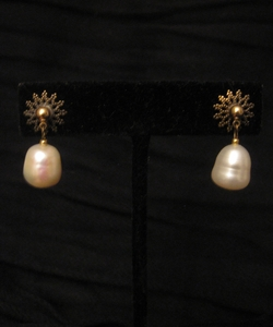 Antique Gold Filigree with Freshwater Pearl