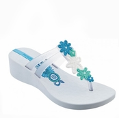 White and Clear Ritmo Plat Wedge Flip Flops by iPANEMA