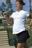 BornFit Lindsay Maternity Tee :: Exercise Maternity Clothes