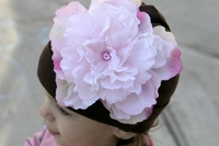 <center>Lt.Pink Peony/Chocolate Hat</center>