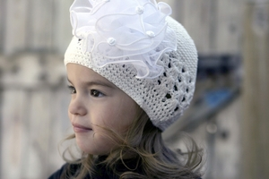 <center>White Knit Beanie/White Chiffon Bow</center>