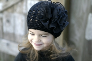 <center>Black Knit Hat/Black Chiffon Bow</center>