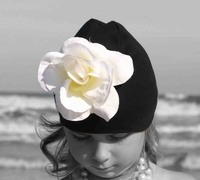 <center>White Rose/Black Hat</center>