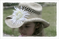 <center>Cream White Daisy Cowboy Hat</center>