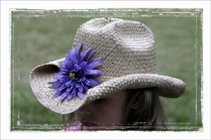<center>Deep Purple Daisy Cowboy Hat</center>