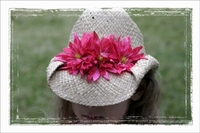 <center>Hot Pink Daisy Cowboy Hat</center>