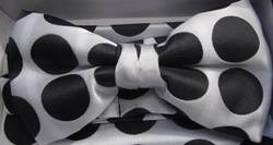 Black Polka Dot Bow Tie with matching Hanky
