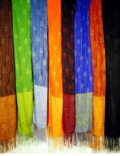 Woven Scarves with Gold Thread (6 per package)
