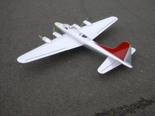Nitroplanes FlyModel B-17 Flying Fortress