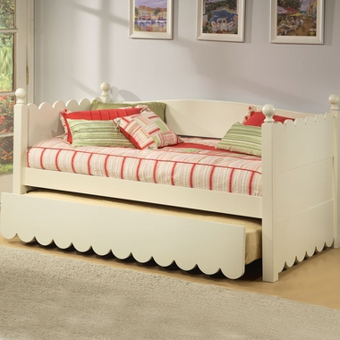 Distressed White Scallop Daybed by Alligator - Click to enlarge