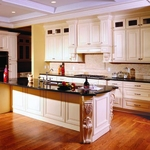 Creme Maple Glazed Kitchen Cabinets