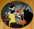 Disney Collector Plate Knowles Snow White Poison Apple