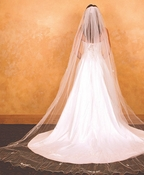 "Veil 153 Ivory - Cathedral Single Layer (108""l x 108"" wide)"