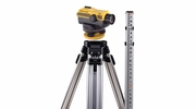 CST/Berger 55-SLVP24ND 24X SAL Automatic Level Kit meaasuring degrees; Includes 60-ALQCI20 tripod and 06-808C rod