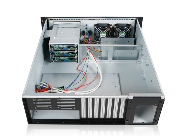 iStarUSA RG-3023H Rugged 3U 3 Hot-Swappable HD Trays Rackmount Case
