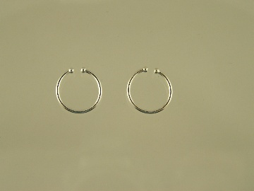 http://www.thecliponearringstore.com/small-silver-plated-hoop-clip-on-earrings.html