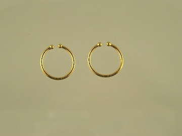 http://www.thecliponearringstore.com/small-gold-plated-hoop-clip-on-earrings.html