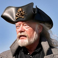 Skull & Crossbones Leather Buccaneer Hat