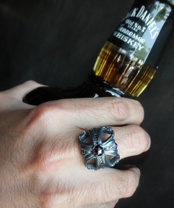 Morphine Ferry Ring with Black Diamonds