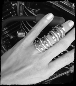 Harlot Hinged Ring with Diamonds
