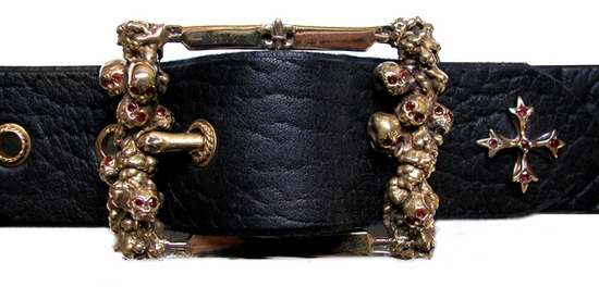 Catacomb Buckle Bronze with Rubie Eyes