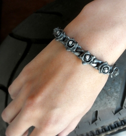 Tiny Perfect Collateral Rose Bracelet