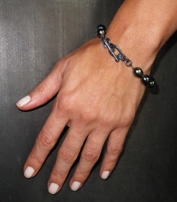 Black Pearl Toggle Bracelet