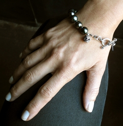 Black Pearl Skull Toggle Bracelet