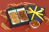 Giant Cashews/California Almonds Gift Box
