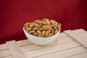 Roasted 27/34 California Almonds (25 Pound Case)