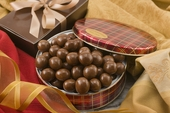 10oz Milk Chocolate Covered Macadamias