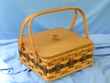Handmade Amish Basket -Small Picnic Basket  (EM33)