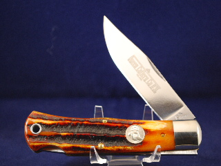 Queen Mountainman Lock Blade, Aged Honey Amber Stag Bone