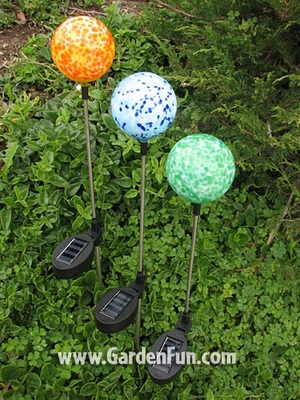 Solar Glo-Pop Garden Stakes (3-pack) - Click to enlarge