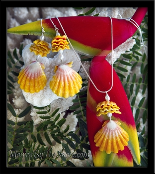 Hawaiian Sunrise Shells,  Chips & Pearls Necklace & Earrings Set