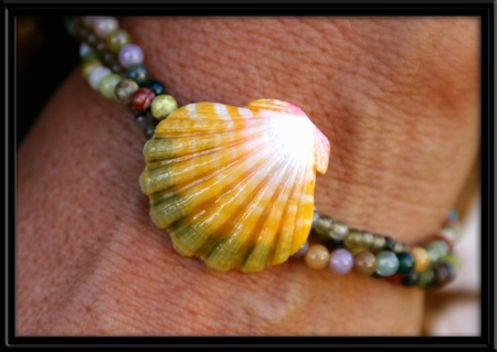 Yellow Green & White Hawaiian Sunrise Shell & Ocean Jasper Bracelet