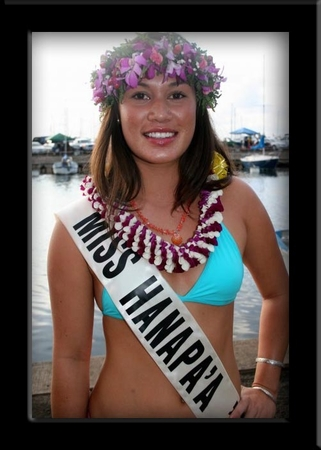 Noi - Miss Hanapa'a Hawaii 2009 - Peach Coral & Red Sunrise Shell