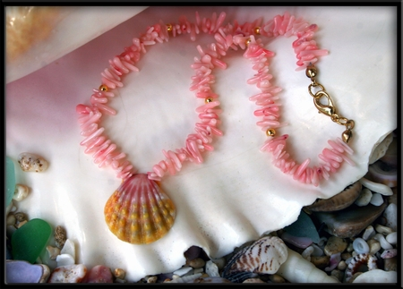 Baby Infant Sunrise Shell & Pink Coral & Gold Necklace