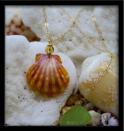 Classic Pink Orange Hawaiian Sunrise Shell & Amber Gold Chain Necklace