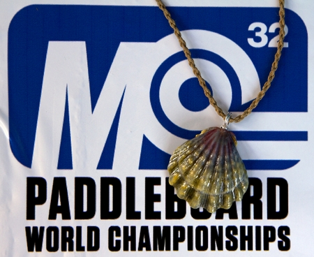 Custom Moonrise Sunrise Shell Shell Necklace for Mariko Jade SUP Champion