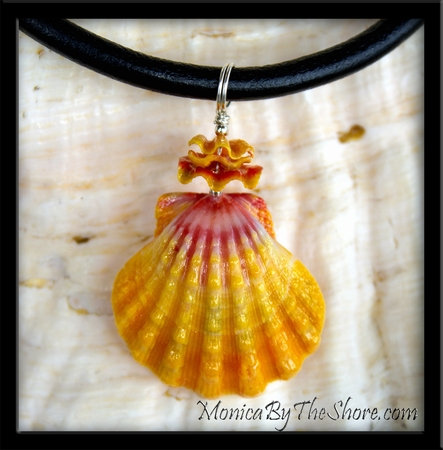 """Haleiwa Hardware"" Classic Pink & Gold Hawaiian Sunrise Shell Leather Necklace"