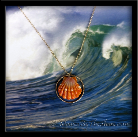 Double Papaya Hawaiian Sunrise Shells & Gold Vermiel Ring Pendant on Gold Chain Necklace