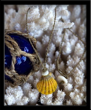 Country Style Hawaiian Sunrise Shell & Puka Shell Twisted Cord Necklace