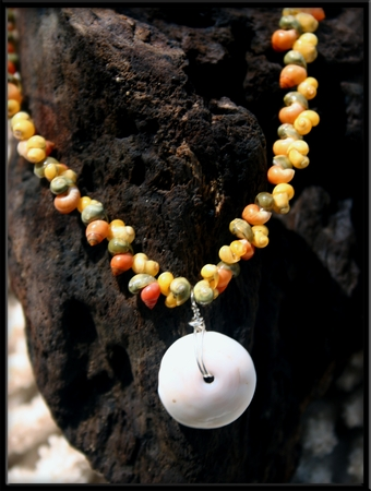 Puka Shell & Tahitian Mongo Necklace