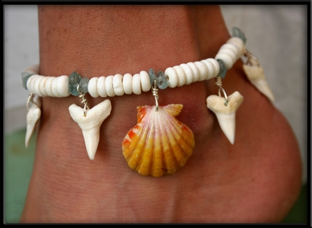 Sunrise Shell & Sharks Tooth & Aquamarine Anklet