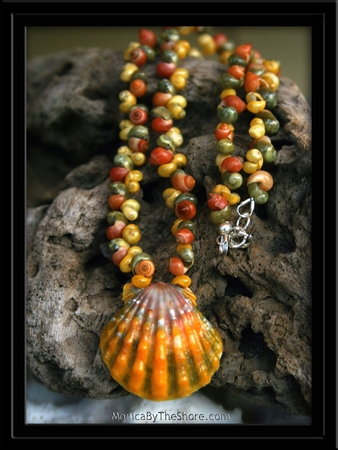 Tri Color Sunrise Shell & Tahitian Mongo Shell Necklace