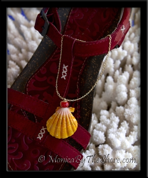 Big Bright Yellow Hawaiian Sunrise Shell & Soapstone Gold Chain Anklet