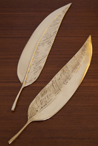 SURevolution Set of 2 Feather Cake Knives