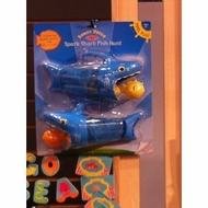 Melissa and Doug Spark Shark Fish Hunt - click to enlarge