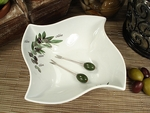 D'Lusso Wavy Olive Dish & Forks Wedding Favor